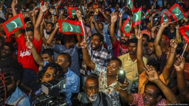 Maldives political crisis: worst in its modern history