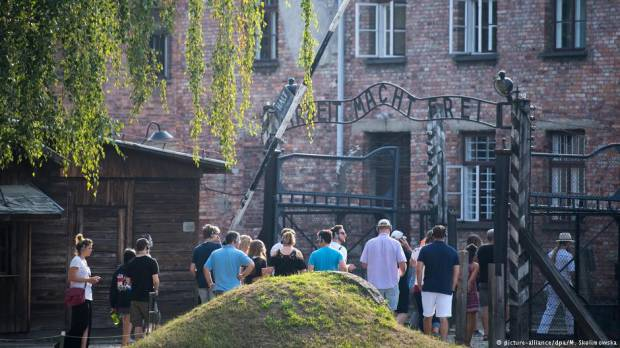 Jewish-Muslim youth group visits Auschwitz in show of solidarity