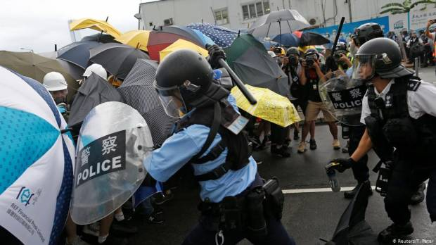 Hong Kong protests: Will Beijing step in?