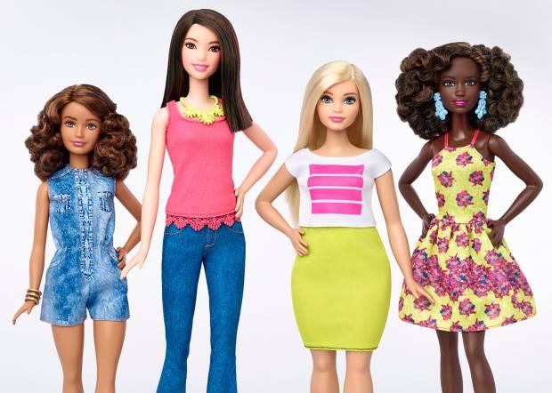 Kontroversial, Barbie Jadi Boneka Pertama yang Raih Penghargaan Bergengsi Dunia Mode
