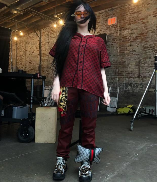 Ini Dia Tren Fashion Terkini, Tas Mini untuk Kaki dan Lengan