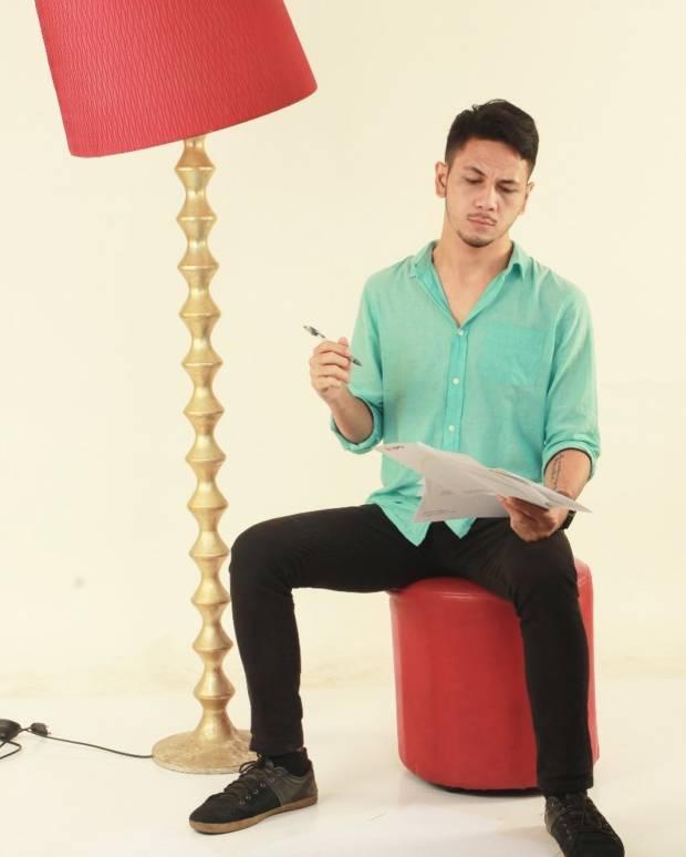 Zarry Hendrik Influencer Unik, Jual Jasa Bikin Caption hingga Jasa Curhat!