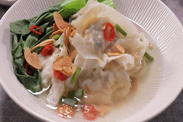 Memasak Menu Wonton Chicken Soup