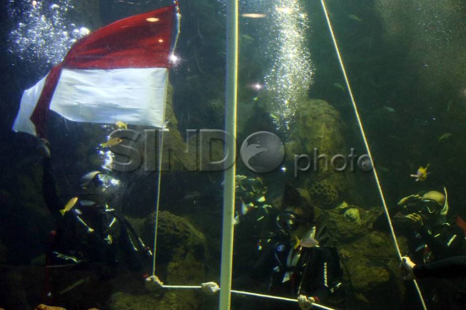 Bendera Merah Putih Berkibar di Sea World-1