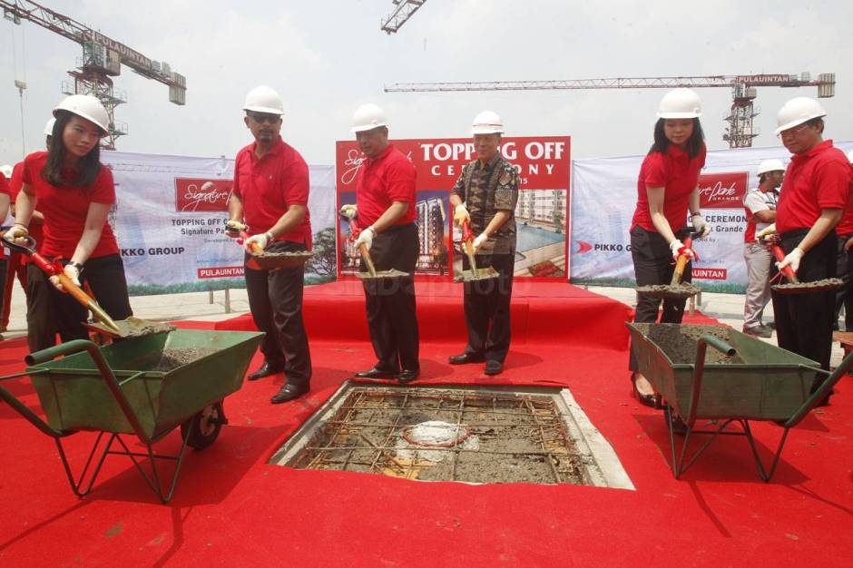 Topping off Menara The Light Signature-2