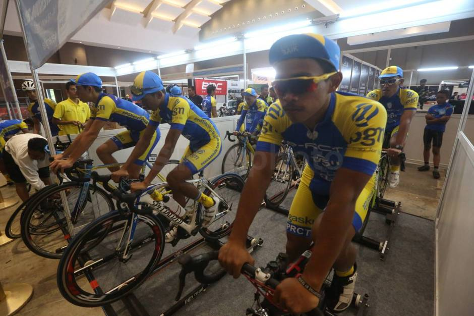 PGN Road Cycling Team Ikuti JIExpo Criterium 2017-1