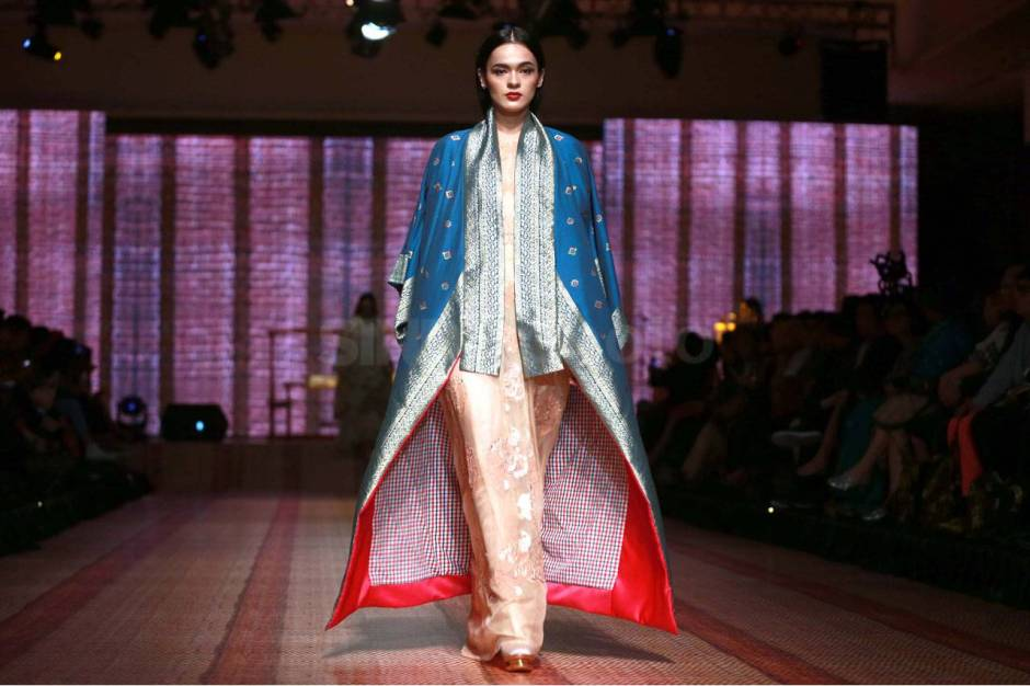 Itang Yunaz Terima Penghargaan Fashion Icon Awards 2017-0