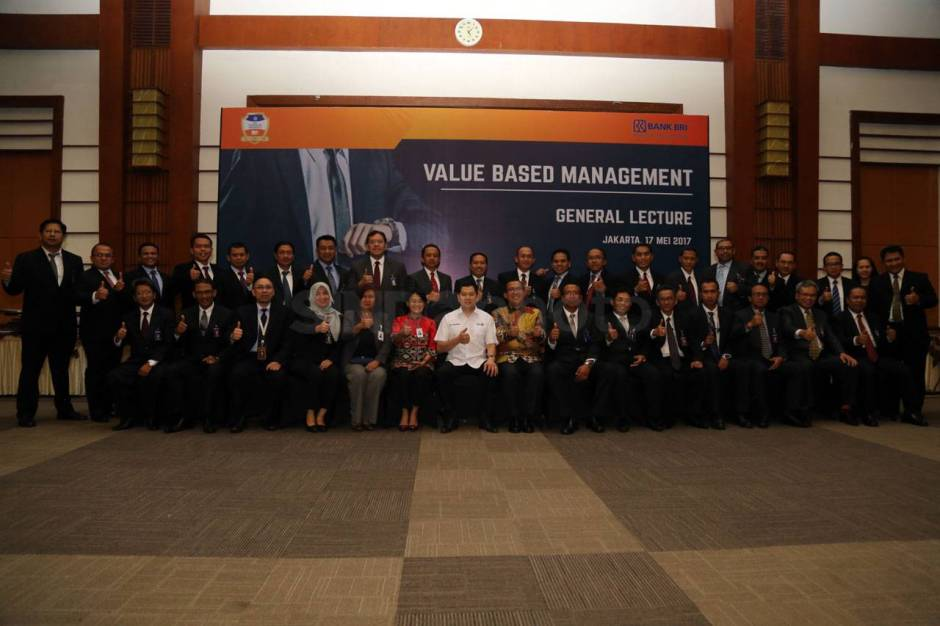 HT Jadi Keynote Speaker Seminar Management Development Program BRI-0