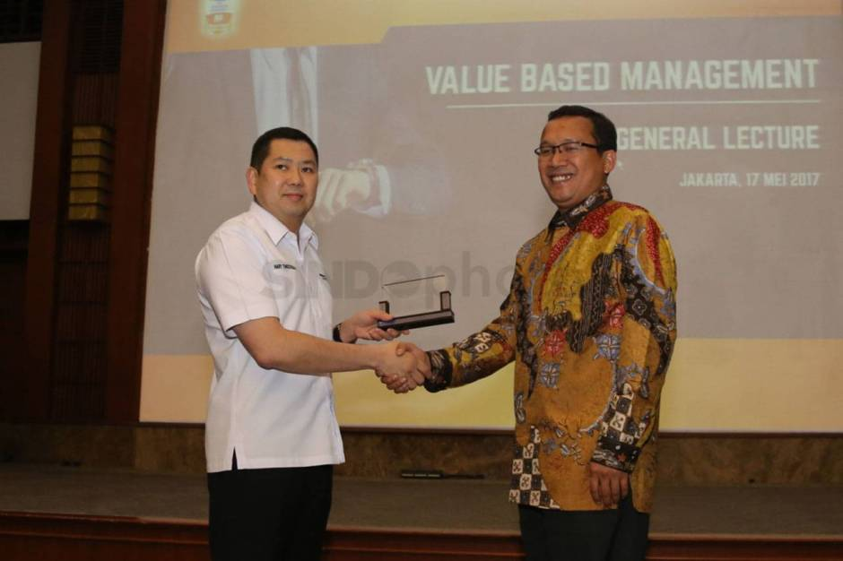 HT Jadi Keynote Speaker Seminar Management Development Program BRI-1