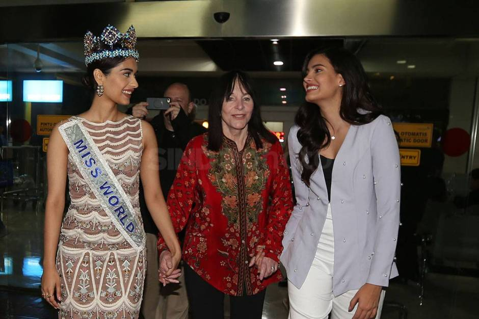Miss World 2017 Manushi Chhillar Tiba di Indonesia-0