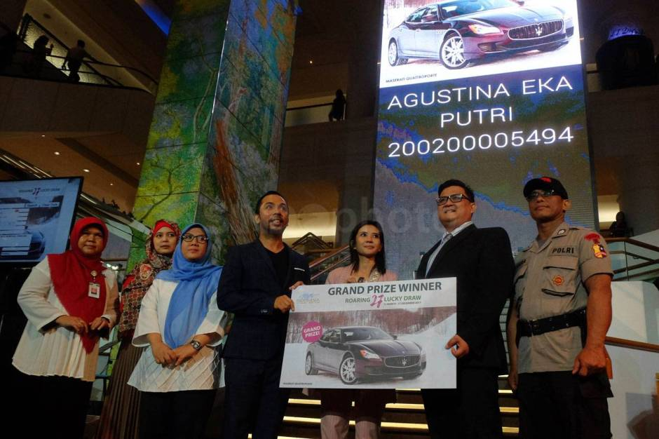 Plaza Indonesia Serahkan Hadiah Program Roaring 27 Grand Draw Maserati-2