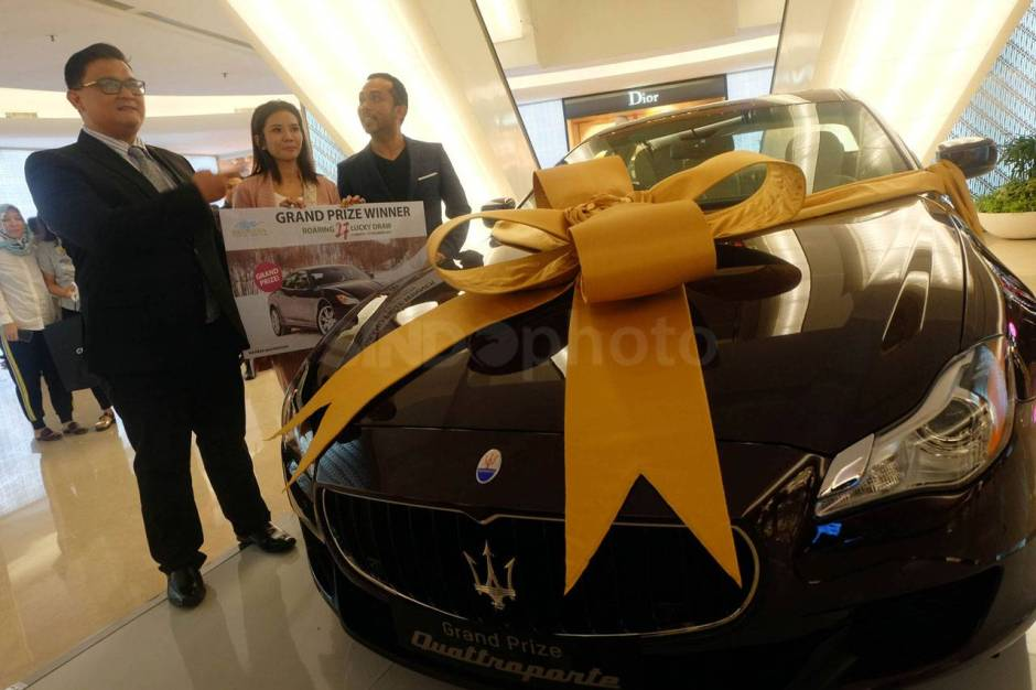Plaza Indonesia Serahkan Hadiah Program Roaring 27 Grand Draw Maserati-3