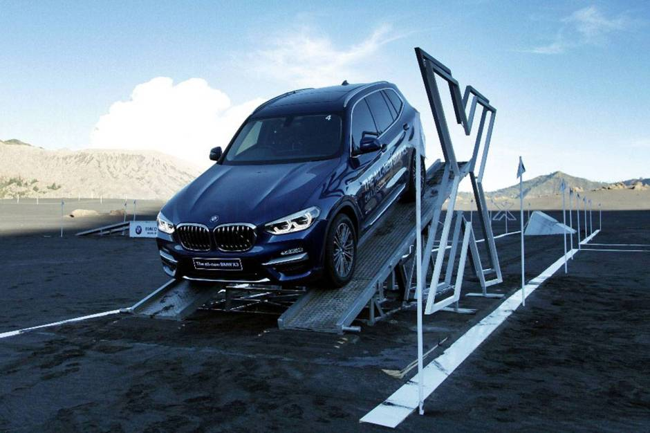 All New BMW X3 Menari di Lautan Pasir Bromo-2