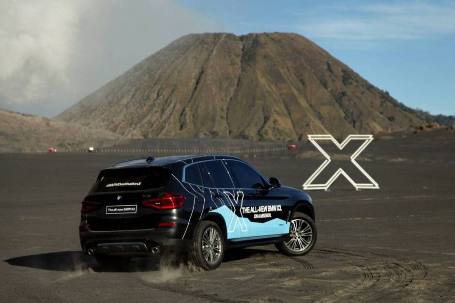 All New BMW X3 Menari di Lautan Pasir Bromo-4