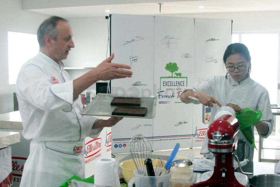 Demo masak Excellence Reveals Your French Touch-2
