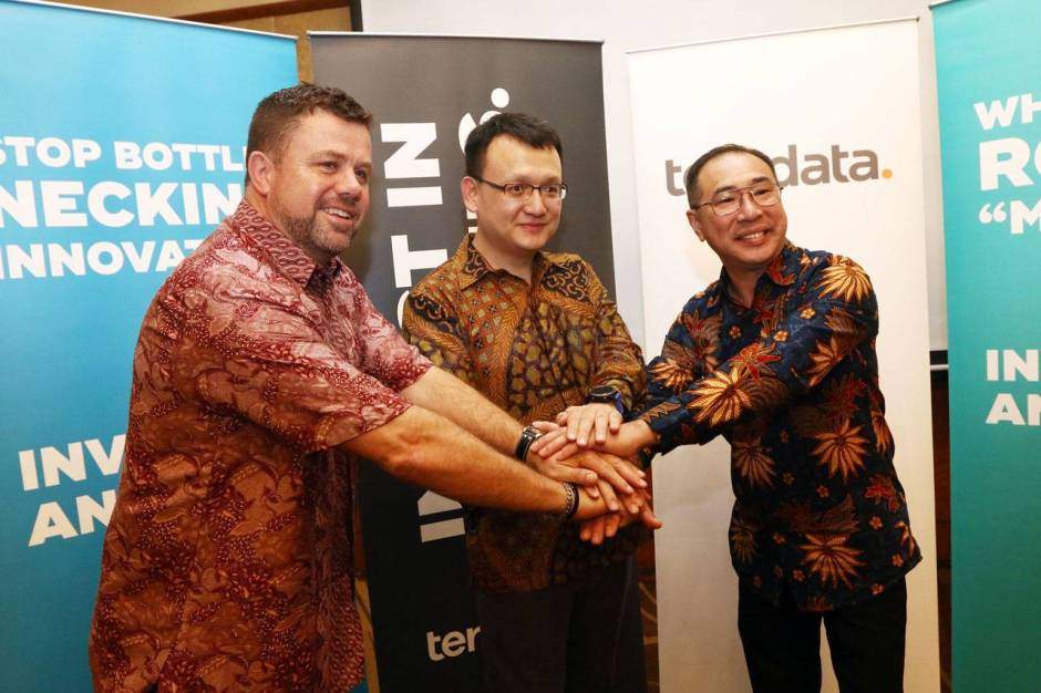 Customer Gathering Teradata New Directions and Strategy-0