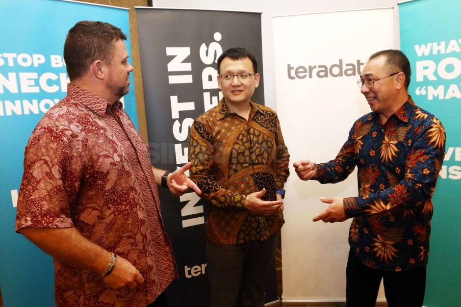 Customer Gathering Teradata New Directions and Strategy-1