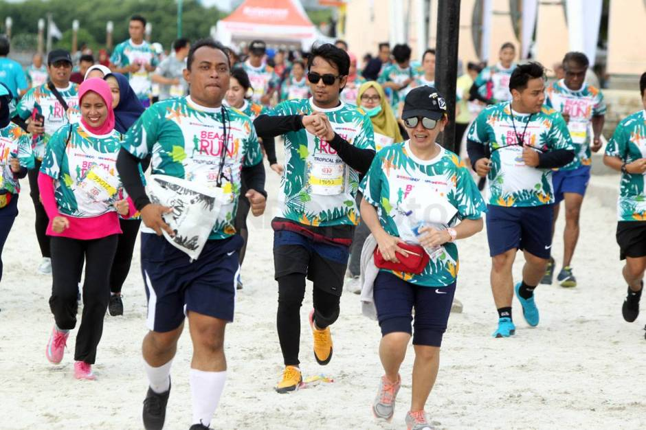 Serunya Beach Run Tropical Sunset di Pantai Lagoon Ancol-2