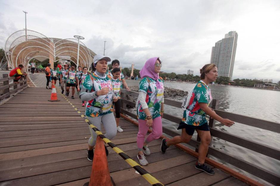 Serunya Beach Run Tropical Sunset di Pantai Lagoon Ancol-5