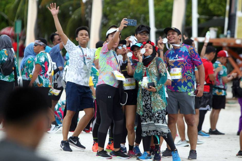 Serunya Beach Run Tropical Sunset di Pantai Lagoon Ancol-11