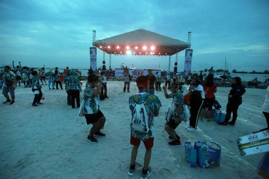 Serunya Beach Run Tropical Sunset di Pantai Lagoon Ancol-16