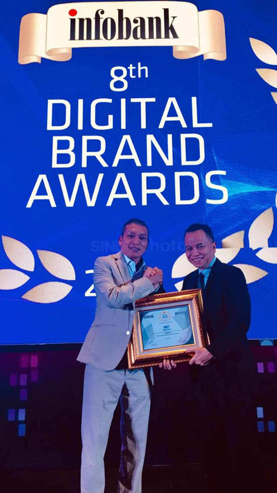 WOM Finance Raih Penghargaan 8th Digital Brand Awards 2019-1