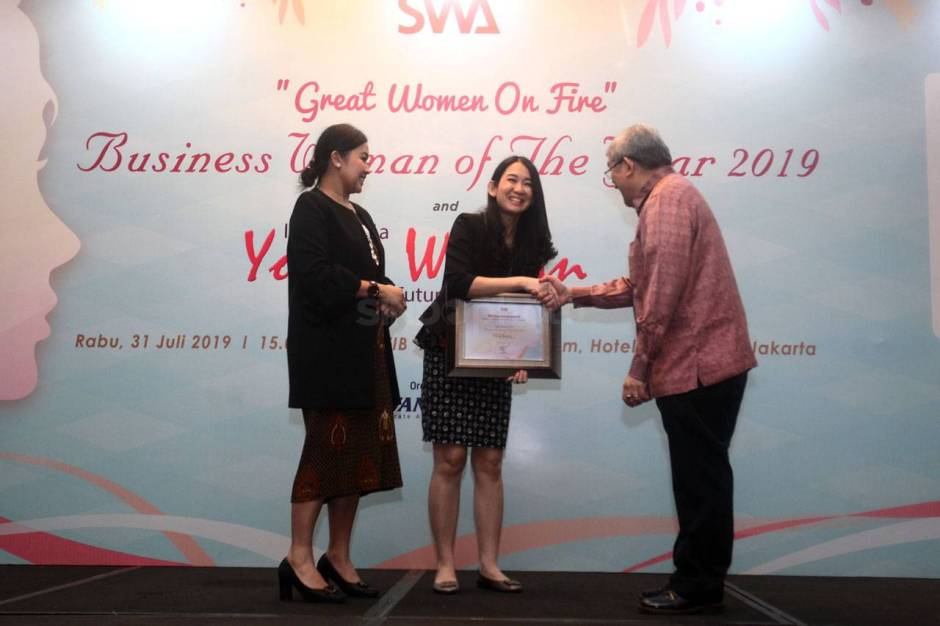 DBS Indonesia Raih Indonesia Young Women Future Business Leader 2019-2
