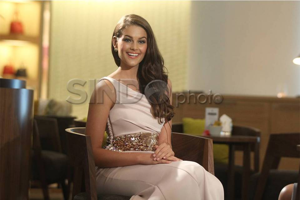 The Official Thread of Miss World 2014 ® Rolene Strauss- South Africa - Page 7 40370_highres