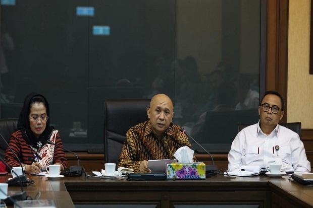 Menkop UKM Teten Masduki Terima Ketua Umum Dekopin Sri Untari