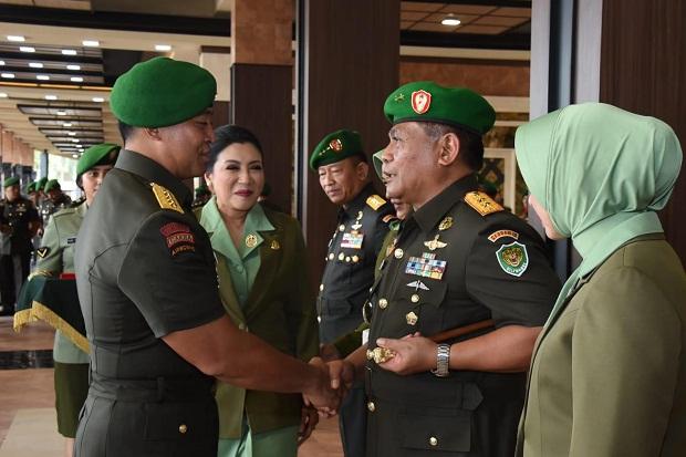 KSAD Lantik Mayjen TNI Nugroho Budi Wiryanto Jabat Pangdam Siliwangi
