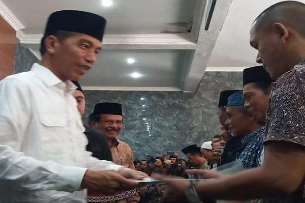 Jokowi Tinjau Jalur KA di Cibatu yang Akan Direaktivasi