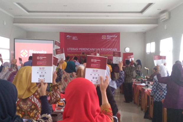 Mengenal Otoritas Jasa Keuangan & Industri Jasa Keuangan di SMA 10 Bandung, Jalan Cikutra, Kamis (15/11/2018). Foto/SINDOnews/Arif Budianto