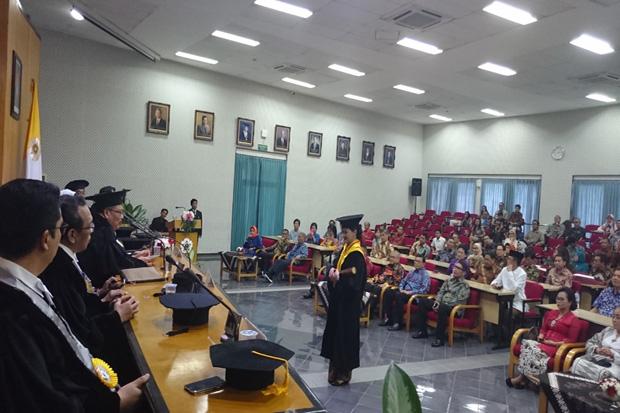Friderica Widyasari Dewi Jadi Doktor ke-4.438 dari UGM