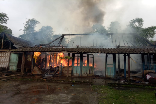 Diduga Korsleting, Rumah Warga Gondang Semarang Ludes Terbakar