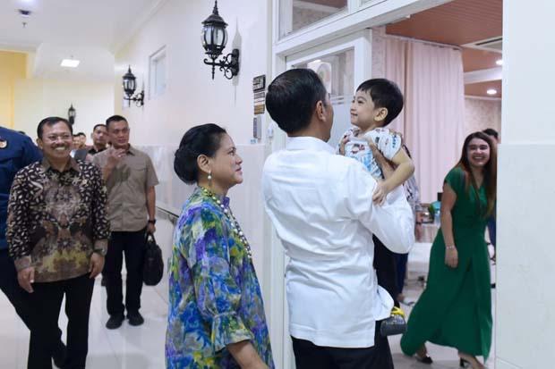 Momen Bahagia Presiden Jokowi Sambut Kelahiran Cucu Ketiga