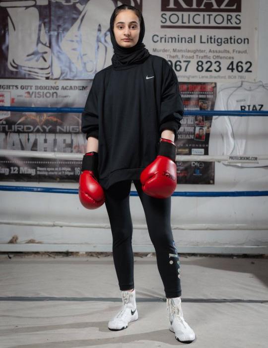 Mengenal Safiyyah Syeed, Petinju Berhijab asal Inggris