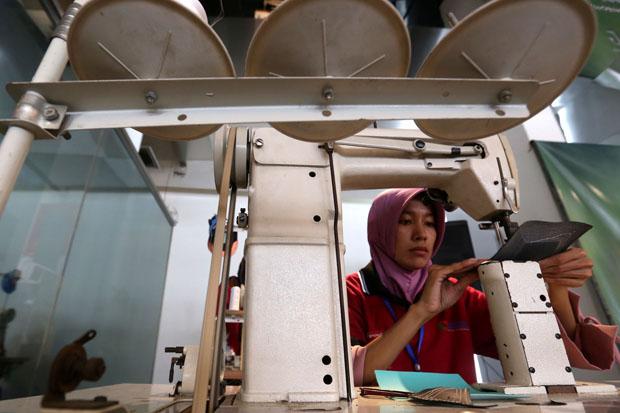 Forkas Latih Diffable dan Hibahkan Puluhan Mesin Produksi