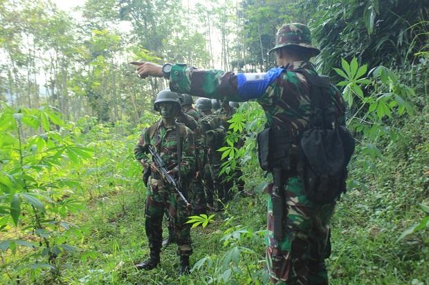 Tingkatkan Kemampuan, Prajurit Raider 502 Gelar Latihan Taktis