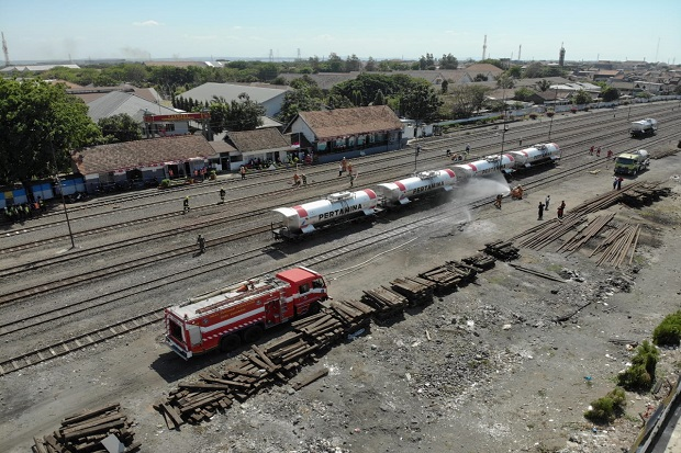 Kereta Pengangkut BBM Milik Pertamina Diserang Teroris