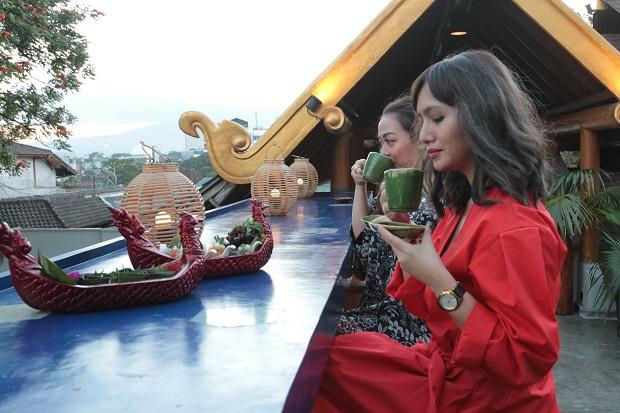Menikmati Cerita Indochina Kala Senja di Lembah Malang