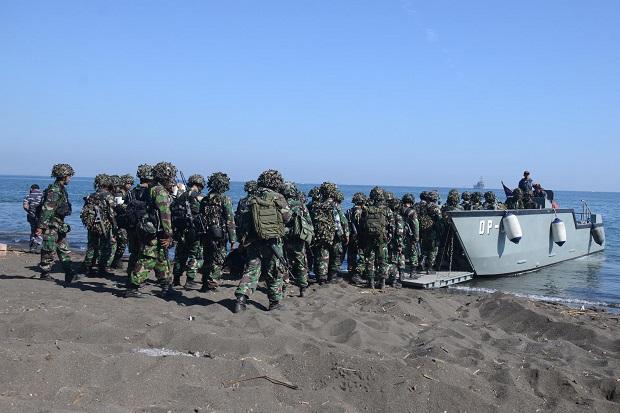 Usai Menggempur Asembagus, Prajurit Marinir Kembali ke Surabaya