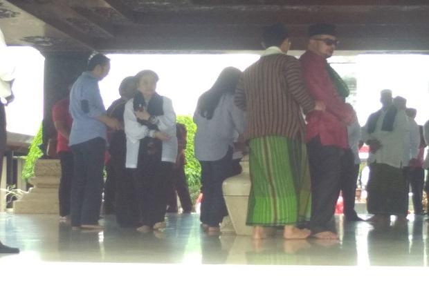 Usai Berdoa di Makam BK, TKN Optimis Menang Besar di Pilpres 2019