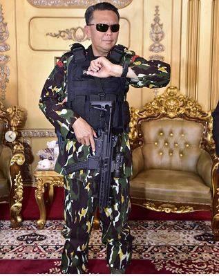 Inilah Penampilan Terkeren Gubernur Nurdin Abdullah saat HUT Brimob Ke-73