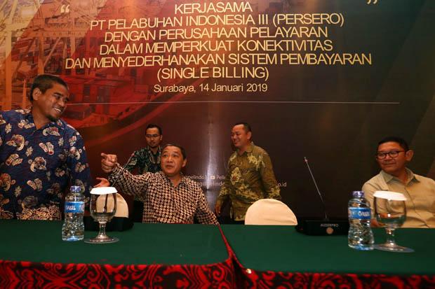 Pangkas Biaya Logistik, Pelindo III Terapkan Tarif Transhipment