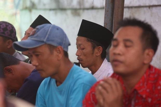 Lantunan Doa Iringi Reuni Akbar MTSN Tanjung Tani Prambon
