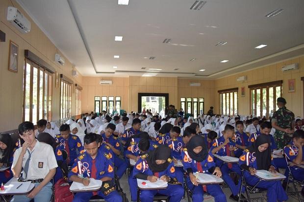 Ratusan Pelajar Ngawi Menyerbu Yonarmed 12, Ada Apa?