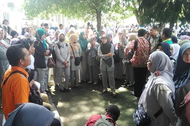 BKDPP Pemkab Jombang Tak Rekrut PPPK, Ratusan Honorer K2 Protes