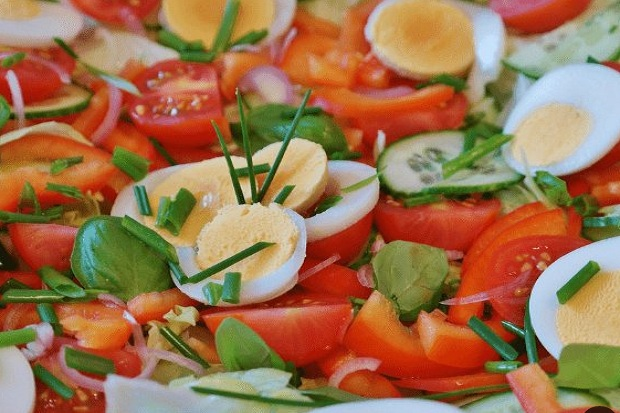 Bagi Pelaku Diet, Ini Topping Salad Terbaik untuk Jaga Berat Badan