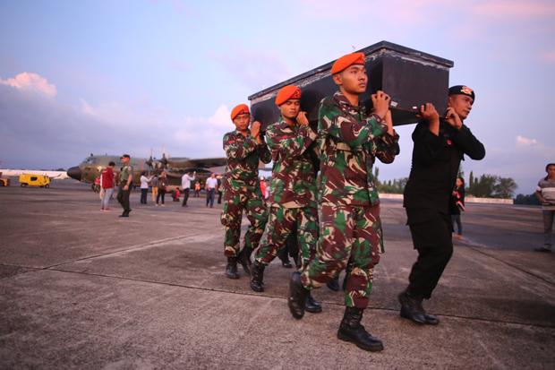 Cerita Foto : Tangis Sambut 14 Korban Pembantaian OPM Papua