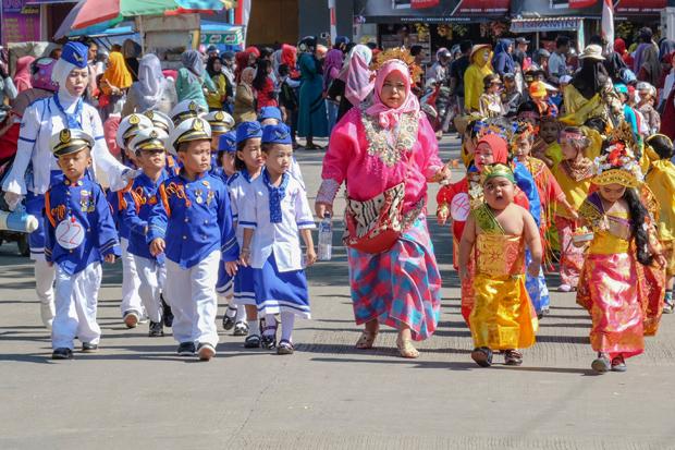 700+ Gambar Anak Tk Karnaval HD Paling Keren